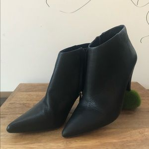 Vince Camuto Booties Women's Size 8.5